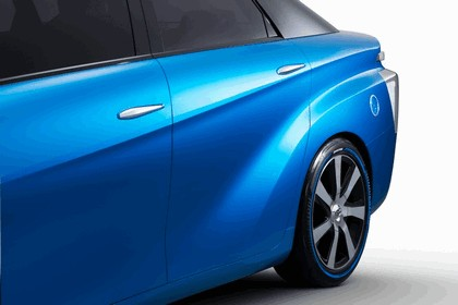 2014 Toyota Fuel Cell Vehicle concept 14