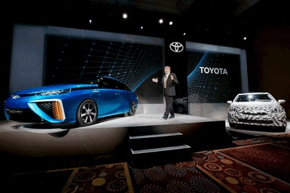 2014 Toyota Fuel Cell Vehicle concept 24