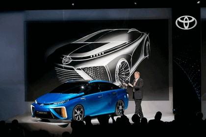 2014 Toyota Fuel Cell Vehicle concept 25