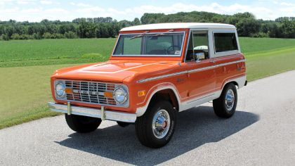 1974 Ford Bronco Wagon 3