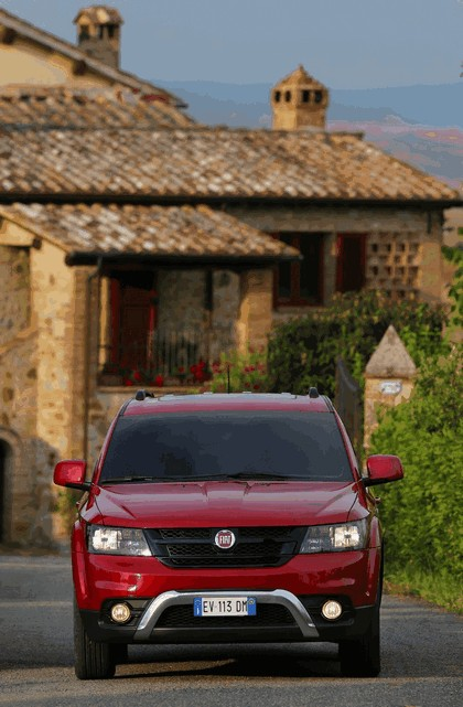 2014 Fiat Freemont Cross 38