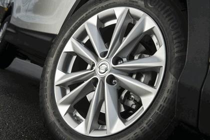 2014 Nissan Qashqai 1.5 dCi - UK version 37