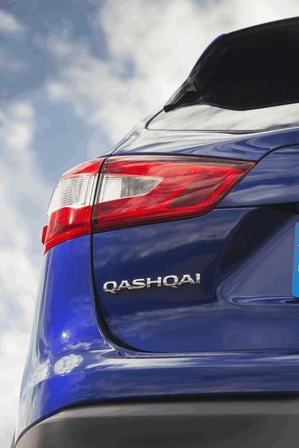 2014 Nissan Qashqai 1.6 - UK version 24