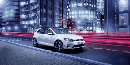2014 Volkswagen Golf ( VII ) GTE 1