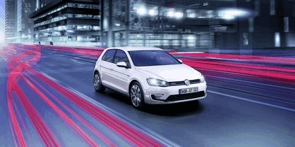 2014 Volkswagen Golf ( VII ) GTE 2