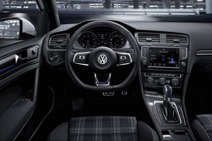 2014 Volkswagen Golf ( VII ) GTE 10