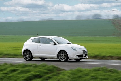 2014 Alfa Romeo MiTo - UK version 5
