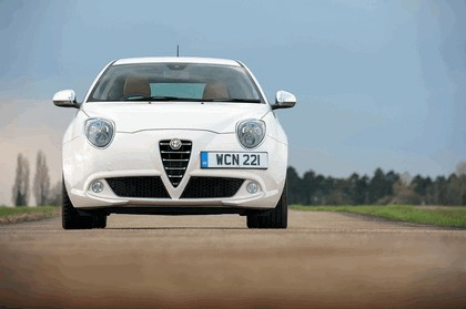 2014 Alfa Romeo MiTo - UK version 11