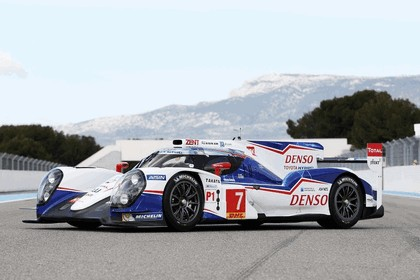 2014 Toyota TS040 Hybrid - on track launch 5