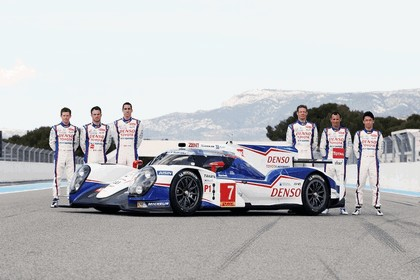 2014 Toyota TS040 Hybrid - on track launch 7
