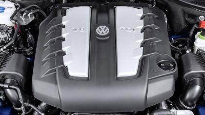 2014 Volkswagen Touareg 24