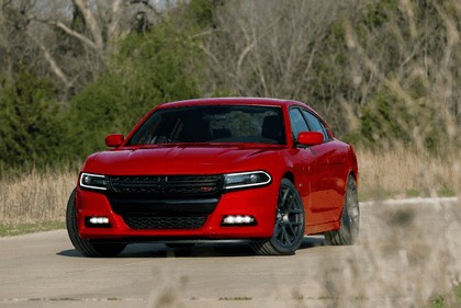 2015 Dodge Charger 4