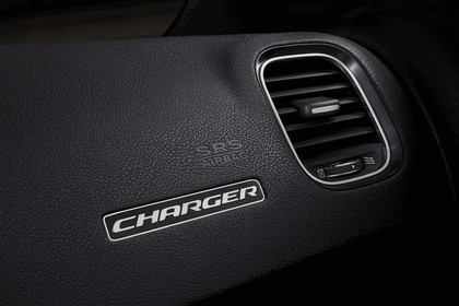 2015 Dodge Charger 42