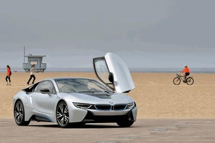 2015 BMW i8 43