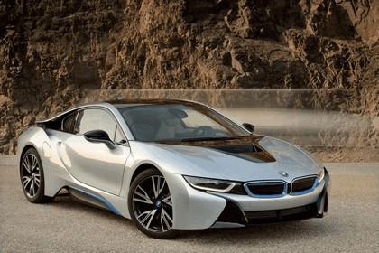 2015 BMW i8 46