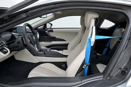 2015 BMW i8 64