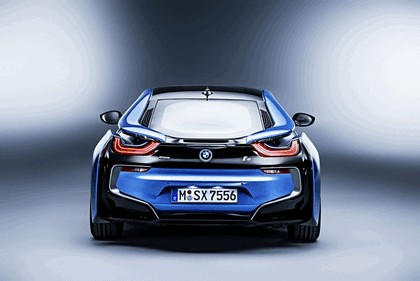 2015 BMW i8 Pure Impulse 14