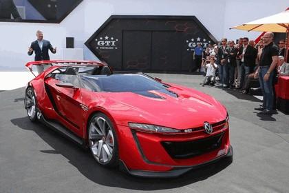 2014 Volkswagen GTI roadster concept 2