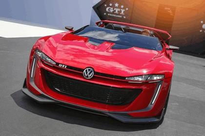 2014 Volkswagen GTI roadster concept 4