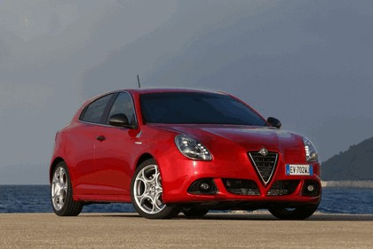 2014 Alfa Romeo Giulietta QV 1