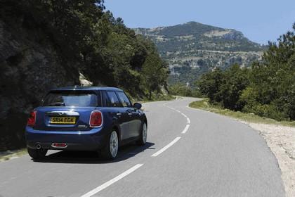 2014 Mini Cooper D 5-door - UK version 32