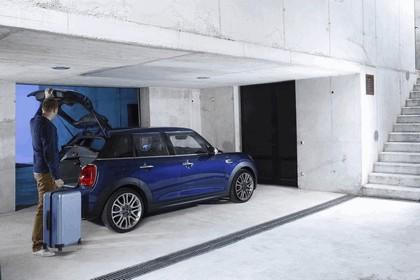 2014 Mini Cooper D 5-door - UK version 45