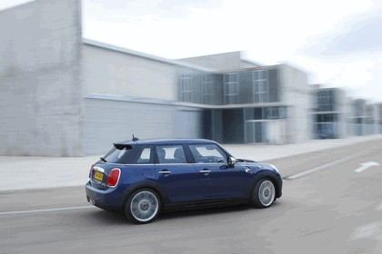 2014 Mini Cooper D 5-door - UK version 64