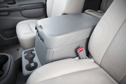 2014 Nissan NV - USA version 32