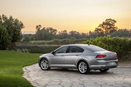 2015 Volkswagen Passat 33