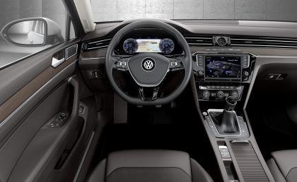 2015 Volkswagen Passat 44