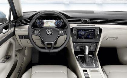 2015 Volkswagen Passat 46