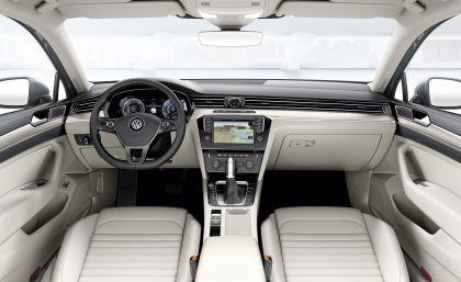 2015 Volkswagen Passat 47