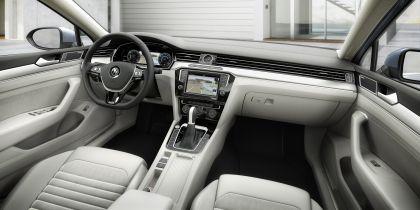 2015 Volkswagen Passat 50