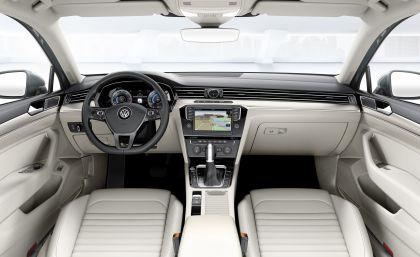 2015 Volkswagen Passat 52
