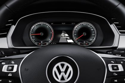 2015 Volkswagen Passat 60