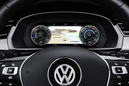 2015 Volkswagen Passat 63