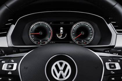 2015 Volkswagen Passat 66