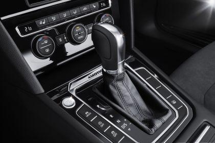 2015 Volkswagen Passat 75