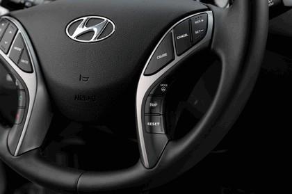 2015 Hyundai Elantra sedan 26