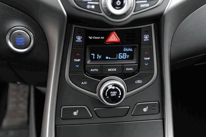 2015 Hyundai Elantra sedan 30