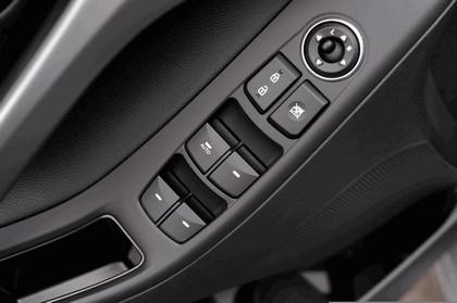 2015 Hyundai Elantra sedan 44