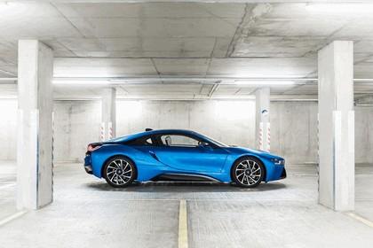 2014 BMW i8 - UK version 5