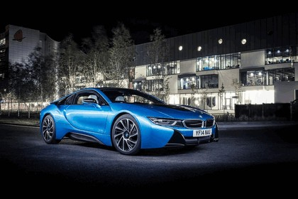 2014 BMW i8 - UK version 29