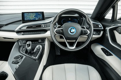 2014 BMW i8 - UK version 58