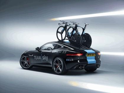 2014 Jaguar F-type coupé high performance support vehicle 3