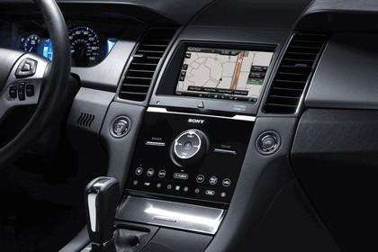 2015 Ford Taurus SHO 19