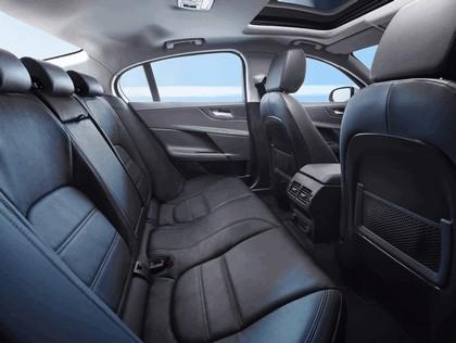 2014 Jaguar XE 28