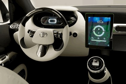 2014 Toyota U-squared Urban Utility Concept Vehicle 7