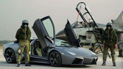 2007 Lamborghini Reventon vs Tornado 1