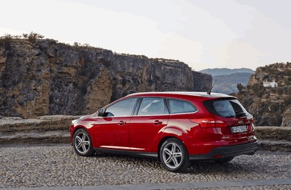 2014 Ford Focus SW 12